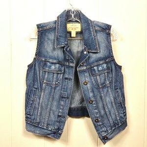Levi's denim vest ladies size Medium like new